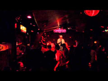 Leas Shuffle Gangster live bei COOL FOR CATS im Cabaret Fledermaus